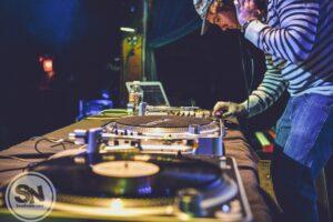 DJ entertainment jobs